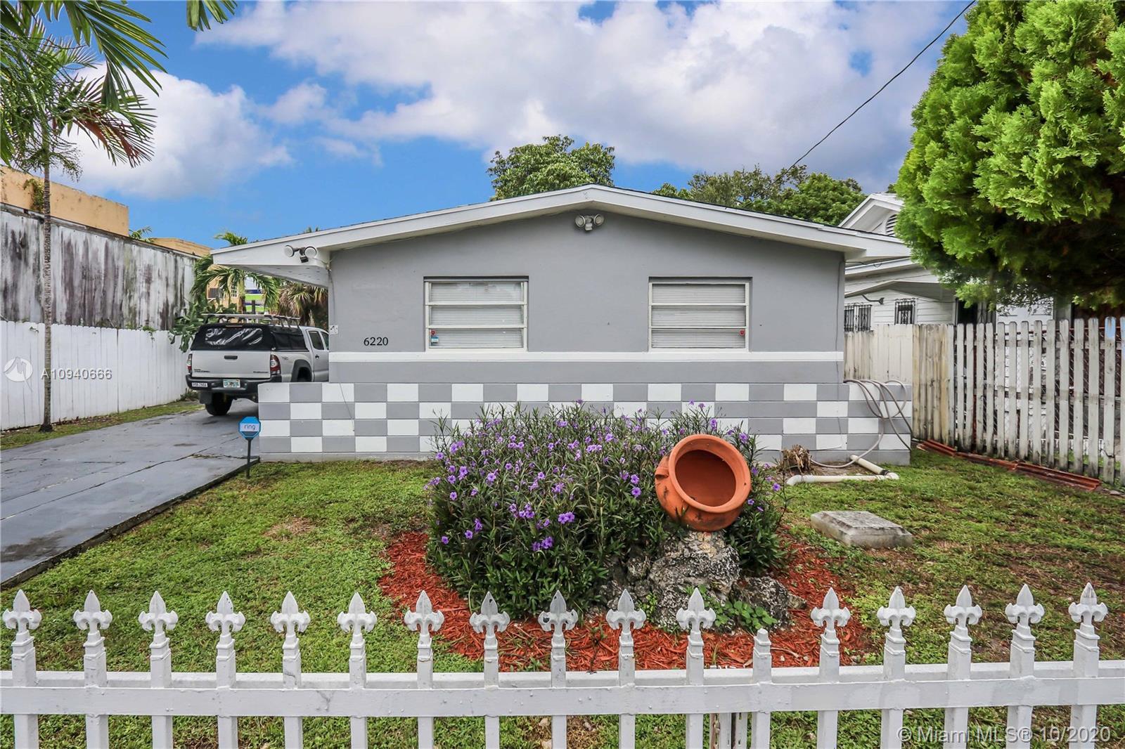 6220 NE Miami Pl  For Sale A10940666, FL