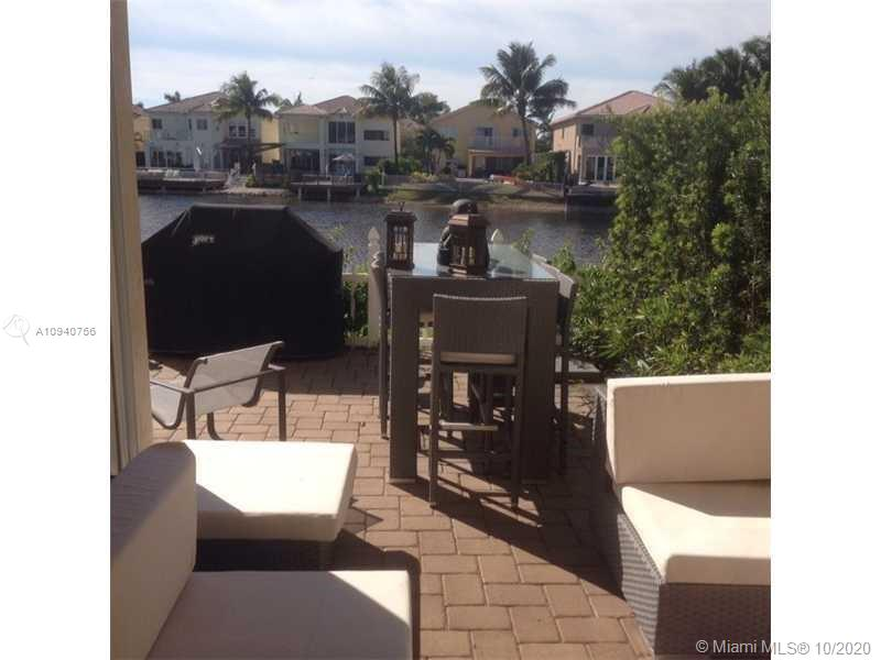 11204 NW 73rd St  For Sale A10940756, FL