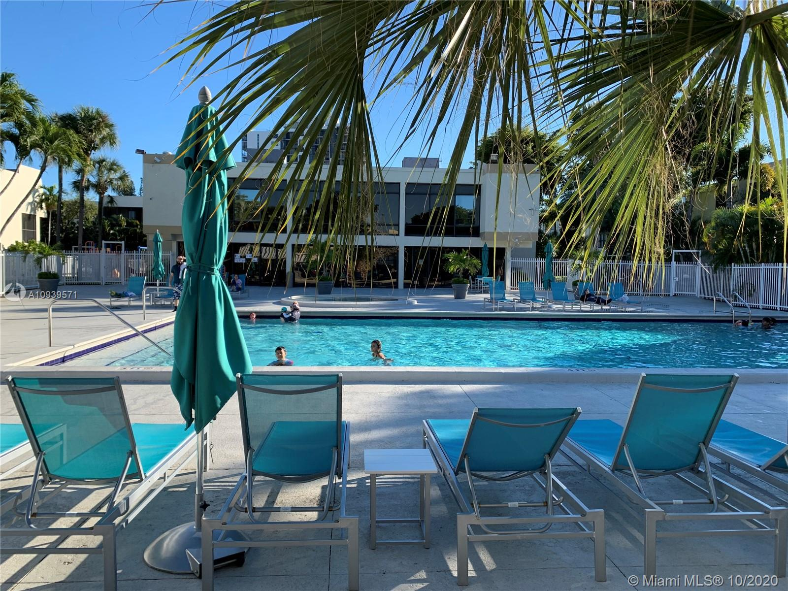 20300 W Country Club Dr #121-3 For Sale A10939571, FL