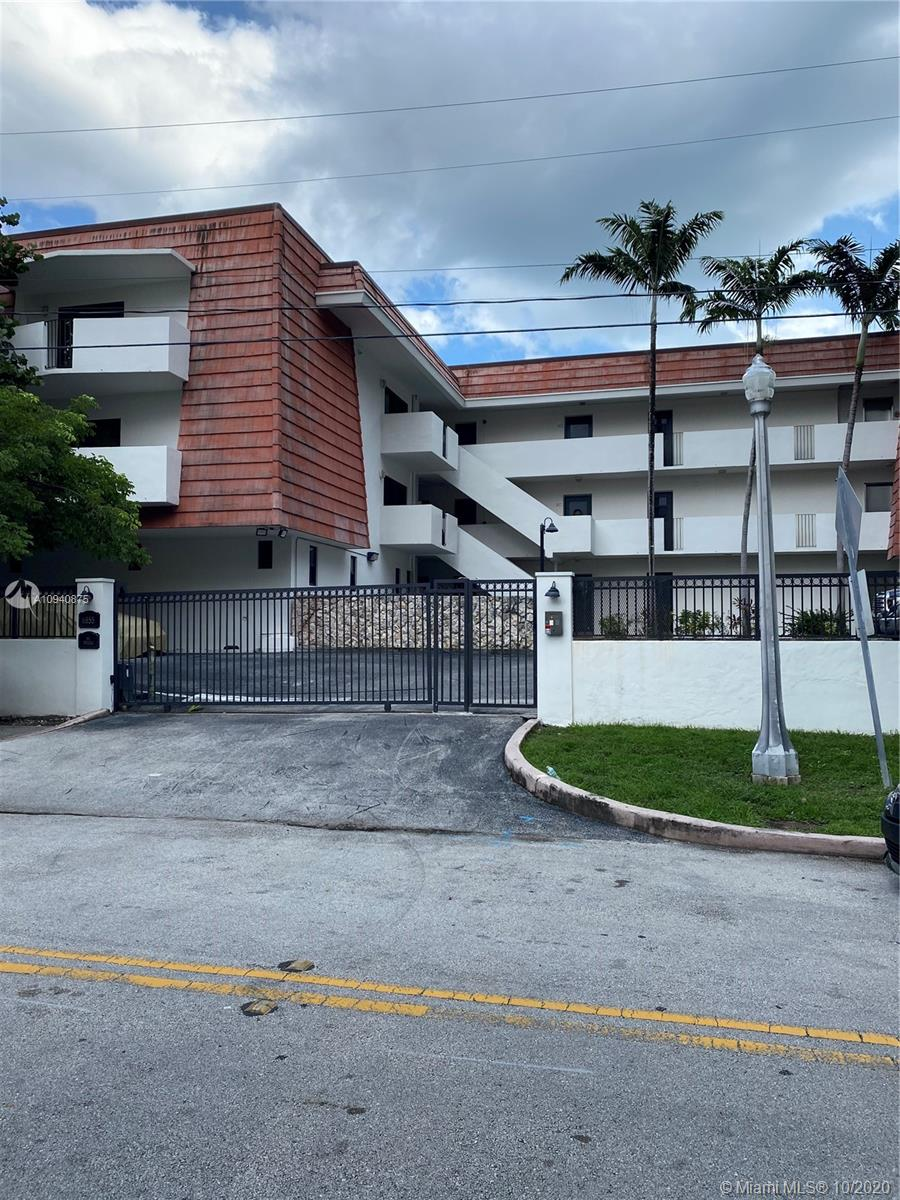 6855  Edgewater Dr #1AN For Sale A10940875, FL