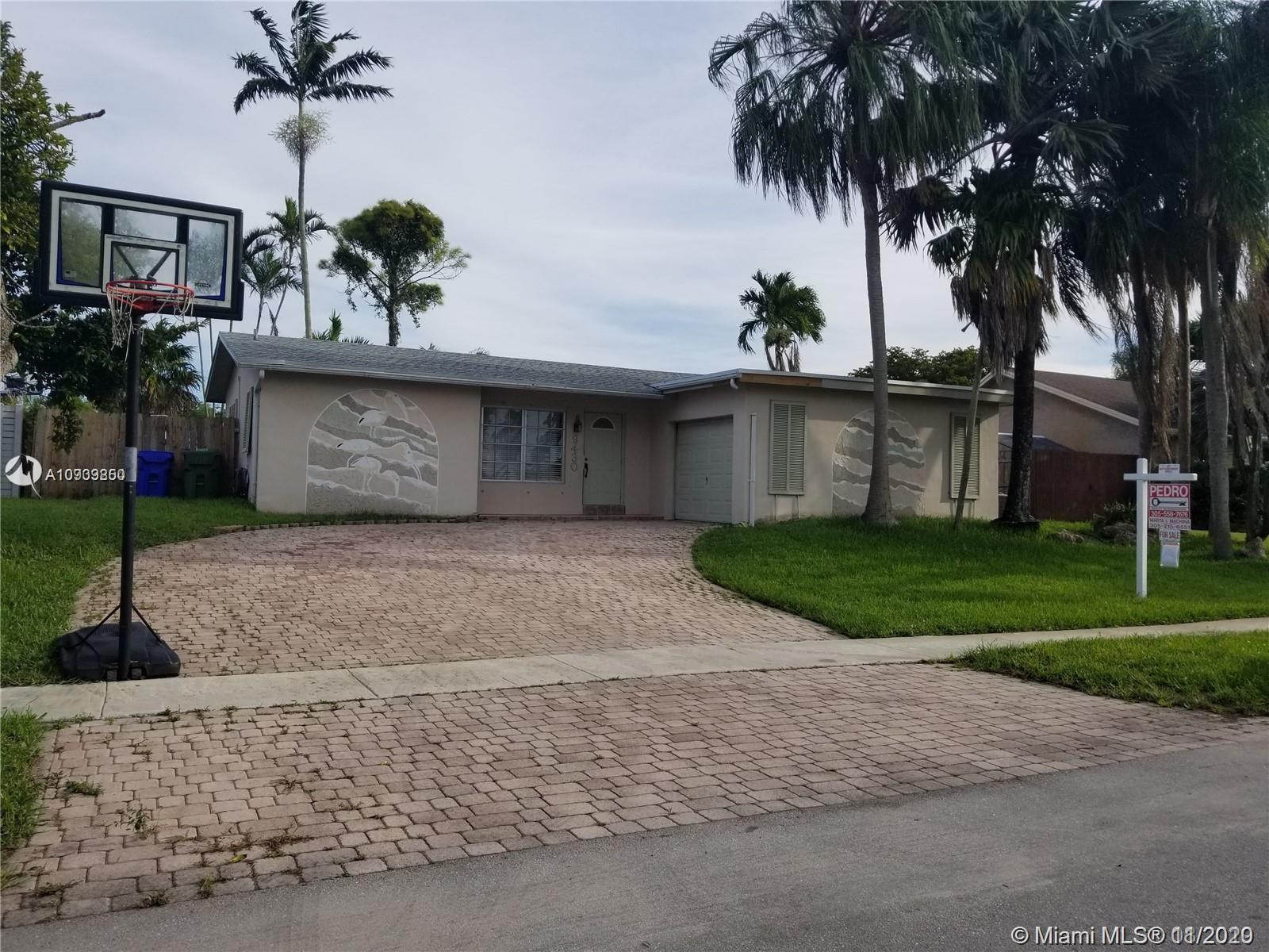 9430 NW 10th St  For Sale A10939850, FL