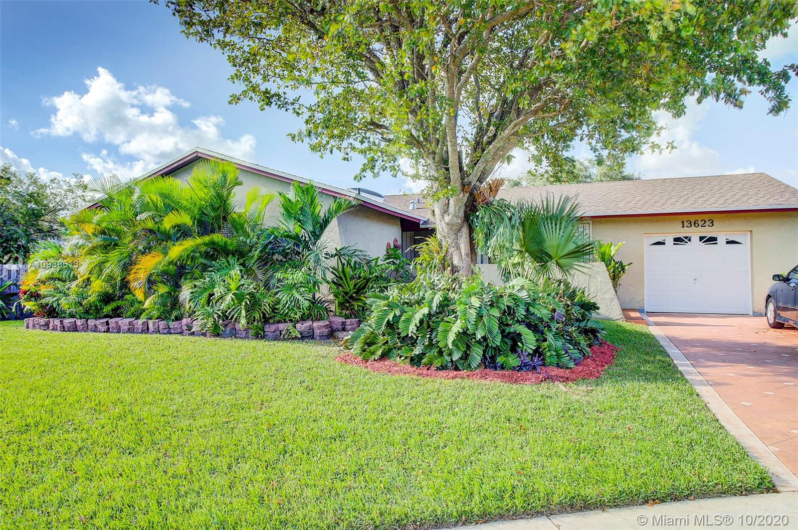 Located in the desirable neighborhood of Winston Park this 3 bedroom, 2 bath home has plenty of potential to make it your own.  This property sits on a nice size lot and on a  cul-de sac, no traffic street.  A new roof was installed in March of 2018. The property has plenty of space for a pool, boat or RV and or to expand.   The low association fee of $44/month gives the residents access to 2 pools, clubhouse, tennis, gym, soccer field and basketball courts.  This property has a lot of potential and is located close to great schools, parks and shopping nearby. Home is being sold AS-IS.