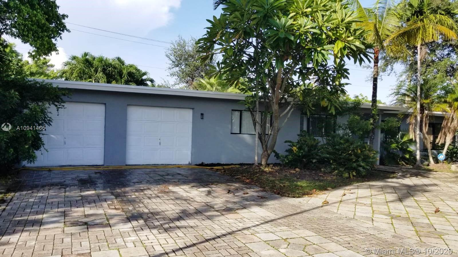 732 SW 9th St  For Sale A10941465, FL