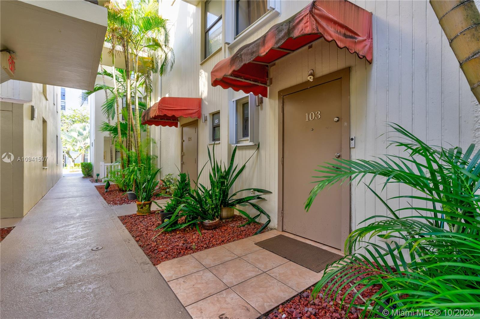 20350 W Country Club Dr #103-4 For Sale A10941597, FL