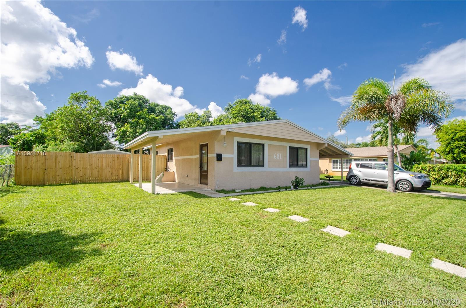 681 SW 29th Ave  For Sale A10941716, FL
