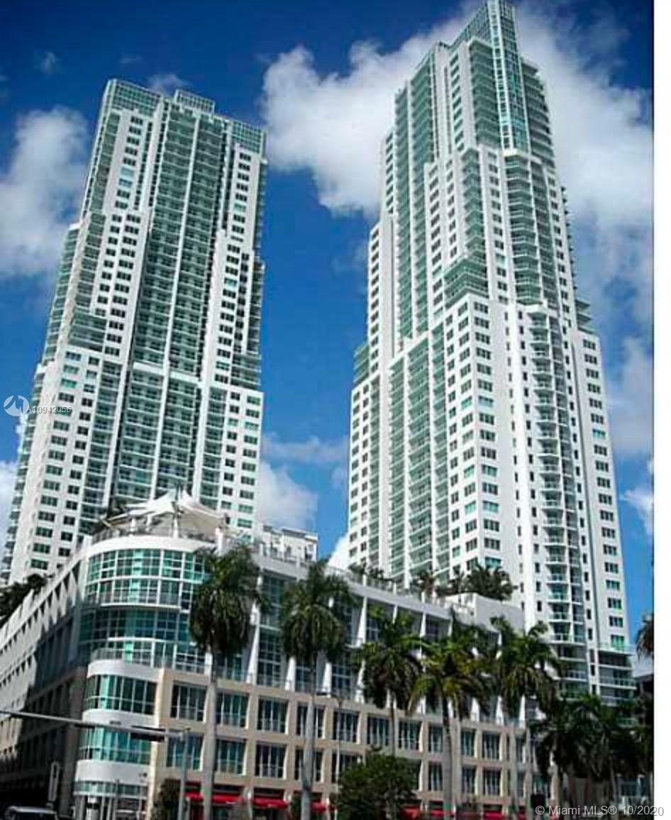 AMAZING 1BED/1.5BTH DUPLEX LOFT AT VIZCAYNE NORTH. GREAT LOCATION IN THE HEART OF DOWNTOWN MIAMI, WALKING DISTANCE TO THE METRO STATION, BAYSIDE, DINING AND ENTERTAINMENT. GREAT LAYOUT, GRANITE COUNTER TOPS, SS APPLIANCES. ESPECTACULAR AMENITIES. 3 LAGOON POOLS, BAR OVERLOOKING THE BAY, STEAM ROOM, SUN DECK, SPA, MOVIE THEATER, BUSINESS CENTER, FITNESS CENTER, KIDS ROOM. WATER, BASIC INTERNET & CABLE INCLUDED BY ASSOCIATION.