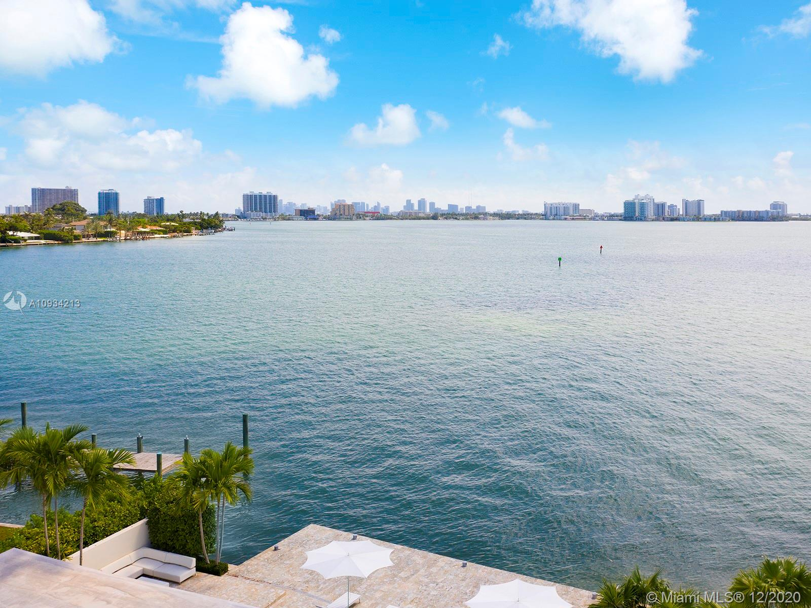 7936  Biscayne Point Cir  For Sale A10934213, FL