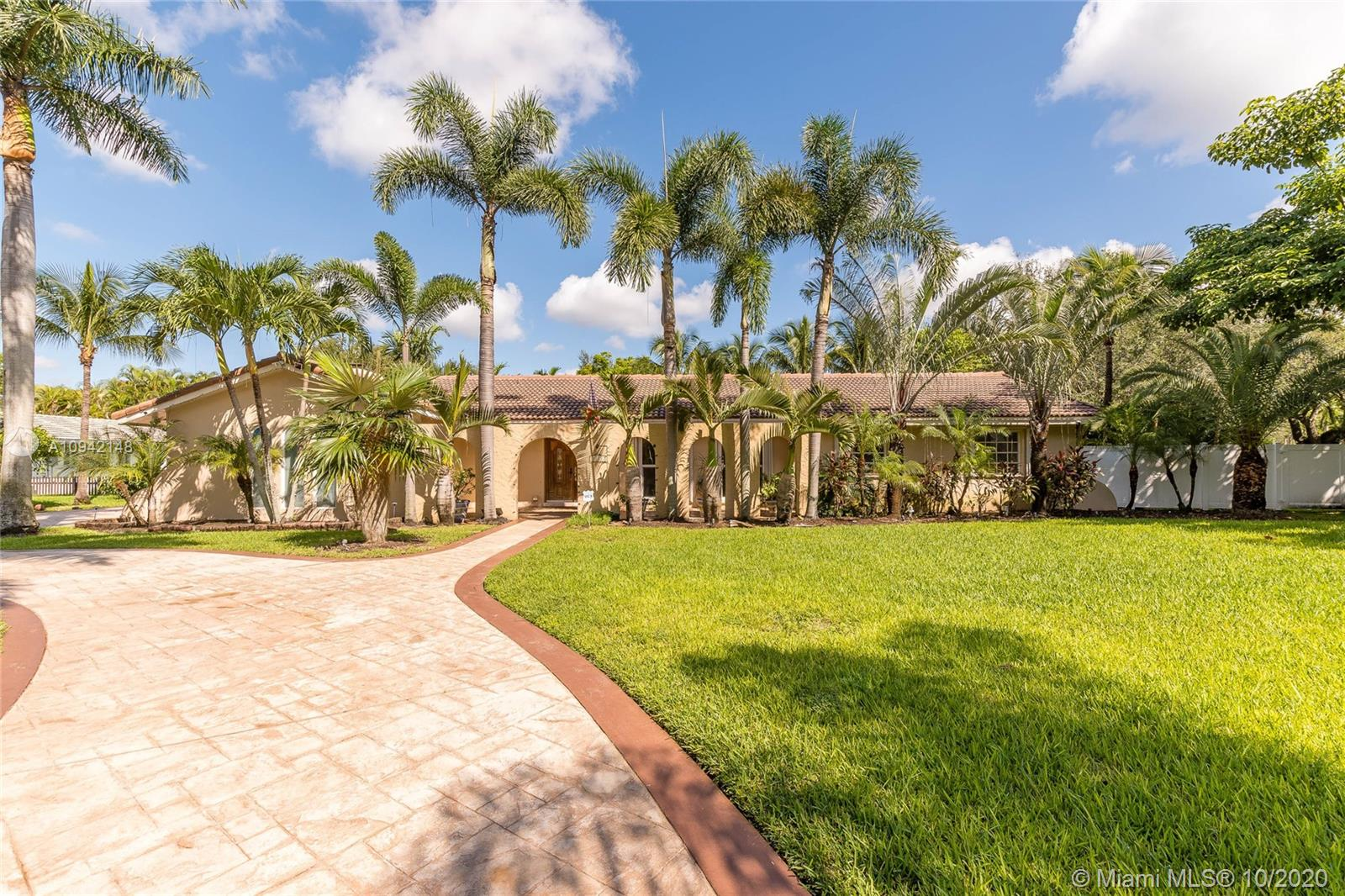 7211 SW 146th Ter  For Sale A10942148, FL