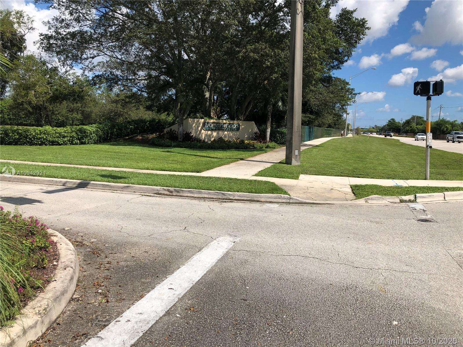 1301 SW 86th Ave  For Sale A10942921, FL