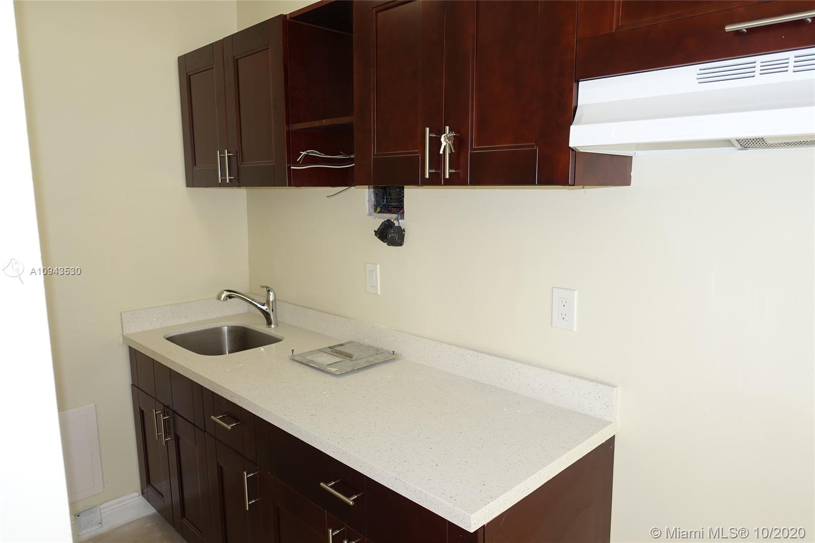 703 NW 19th Ter #2 For Sale A10943530, FL