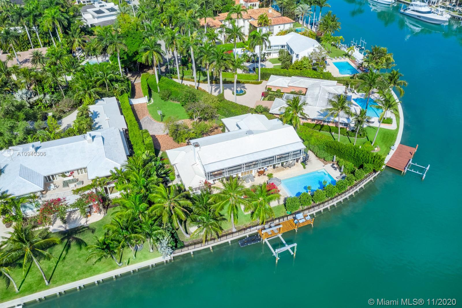 2569  Lake Ave  For Sale A10940306, FL