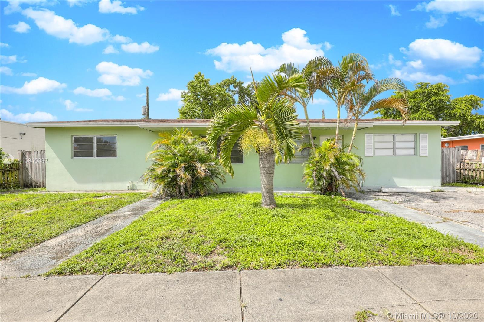 910 N 56th Ave  For Sale A10940382, FL
