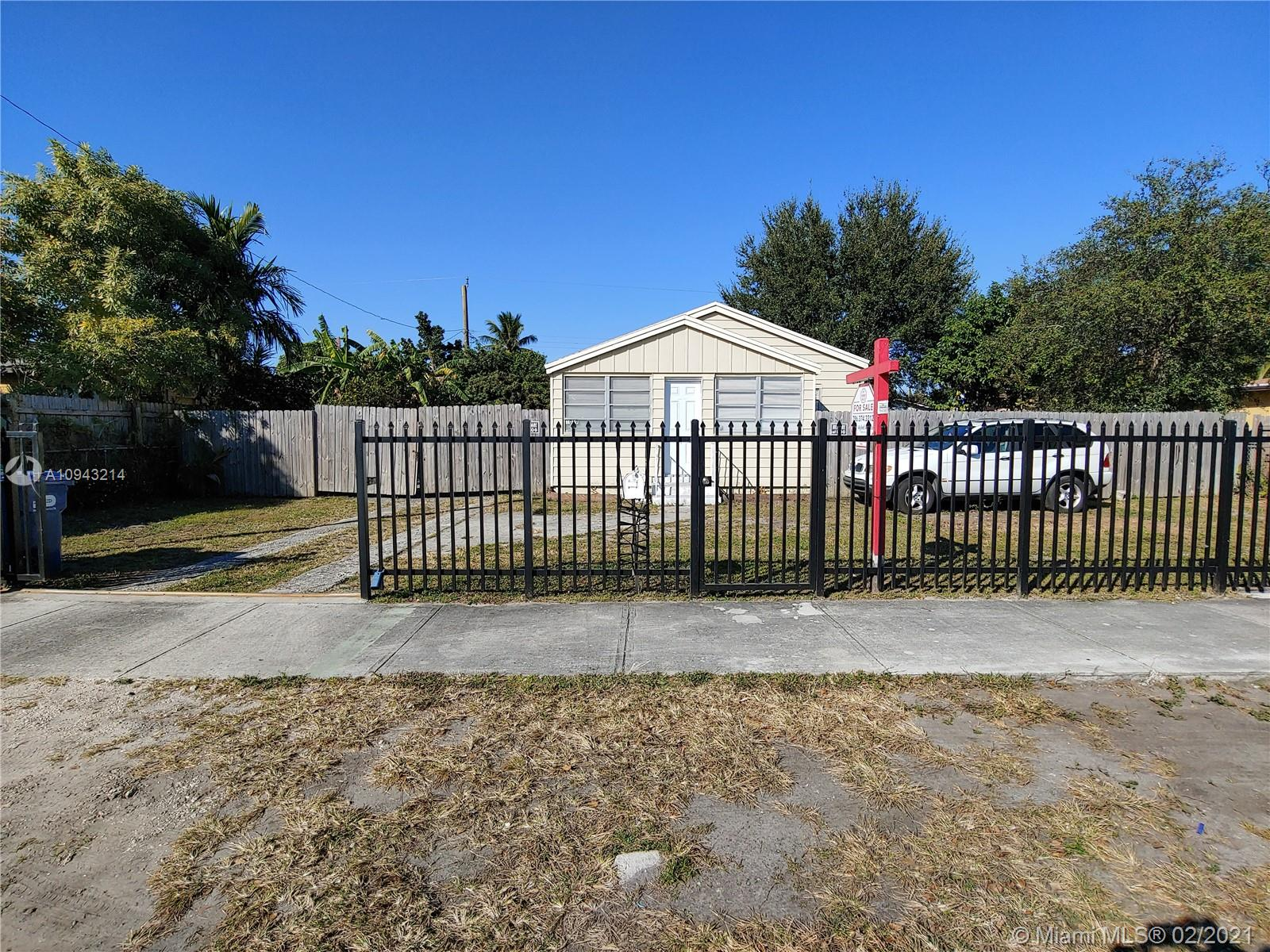 1019 NW 100th Ter  For Sale A10943214, FL