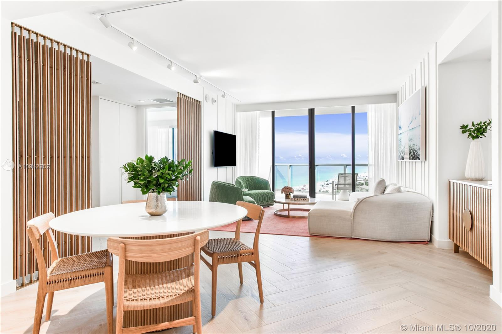 2201  Collins Ave #1804 For Sale A10942952, FL
