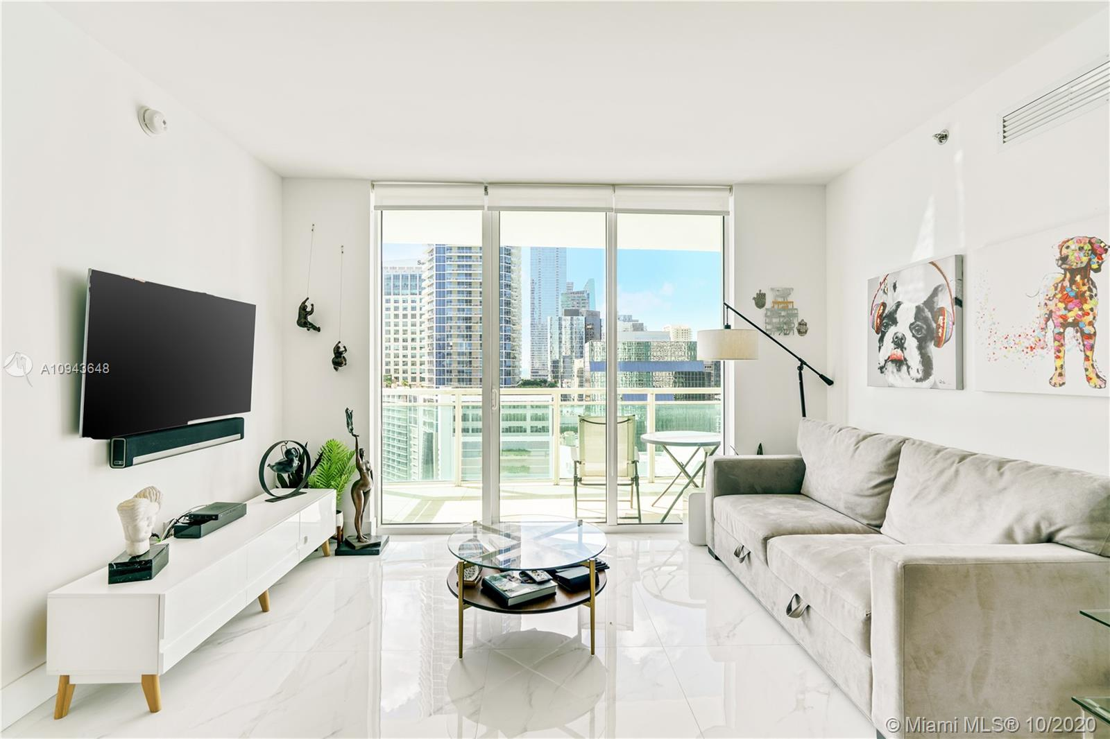 950  Brickell Bay Dr #2207 For Sale A10943648, FL