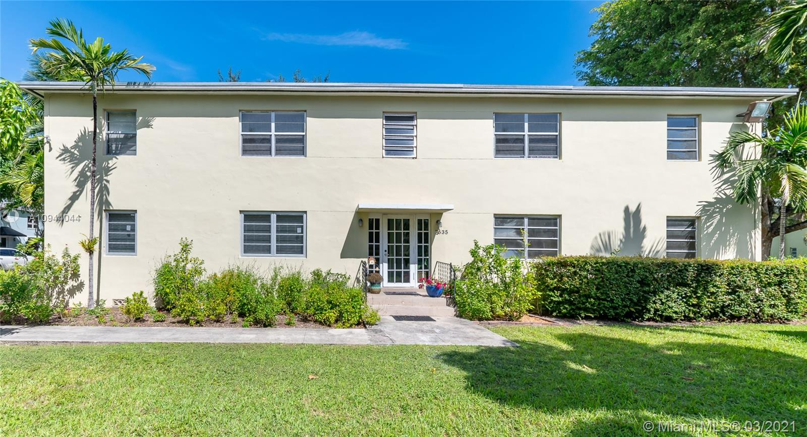 Located in the heart of South Miami, this immaculately-kept 2/1 condo offers a vast common area, tons of natural light, beautiful hardwood and tile floors throughout. Take a dip in the refreshing pool or go for a stroll and take in the lush greenery. Washer and dryer conveniently located in the unit. Property is rented until December 31, 2021. Enjoy the tranquility of this quiet neighborhood that is located within a short distance to Sunset Place Mall, University of Miami, dining, shopping, excellent schools, and places of worship.