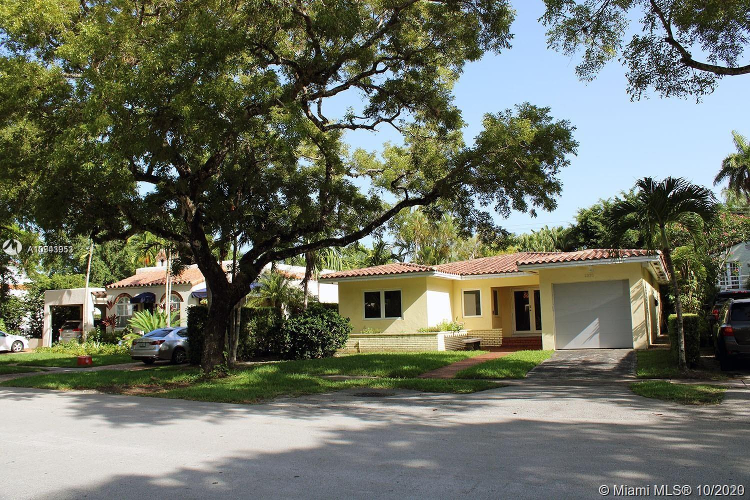 1330  Obispo Ave  For Sale A10943953, FL