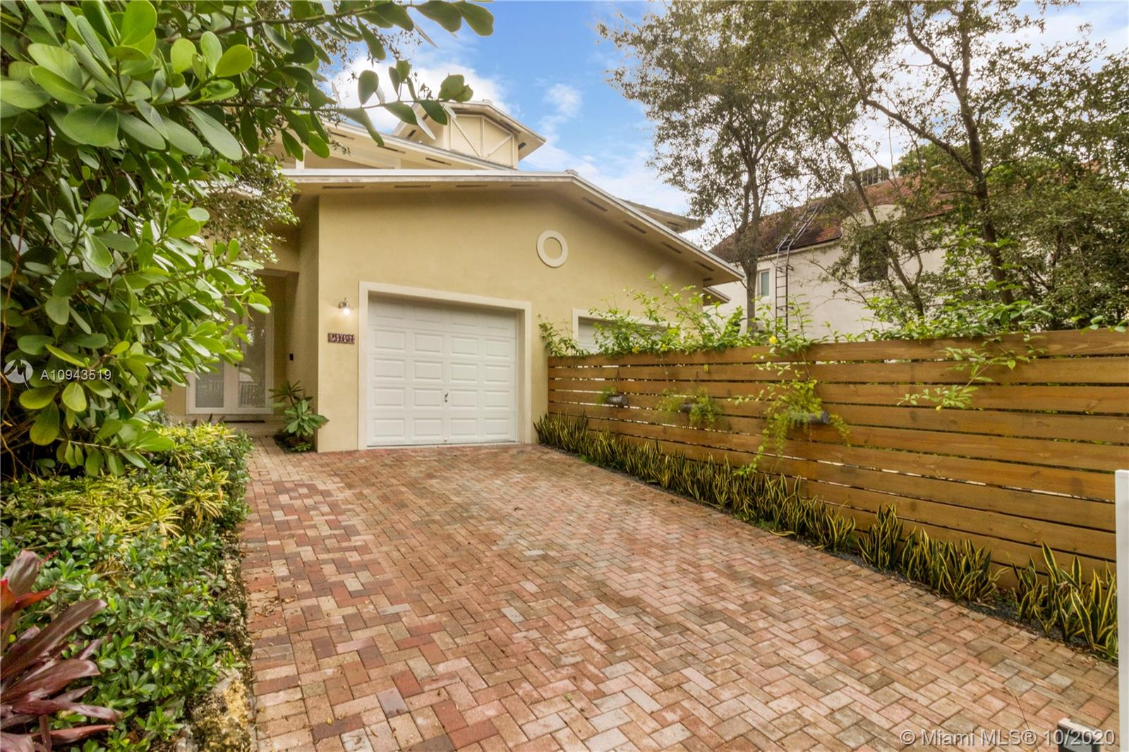 2967  Jackson Ave #2967 For Sale A10943519, FL