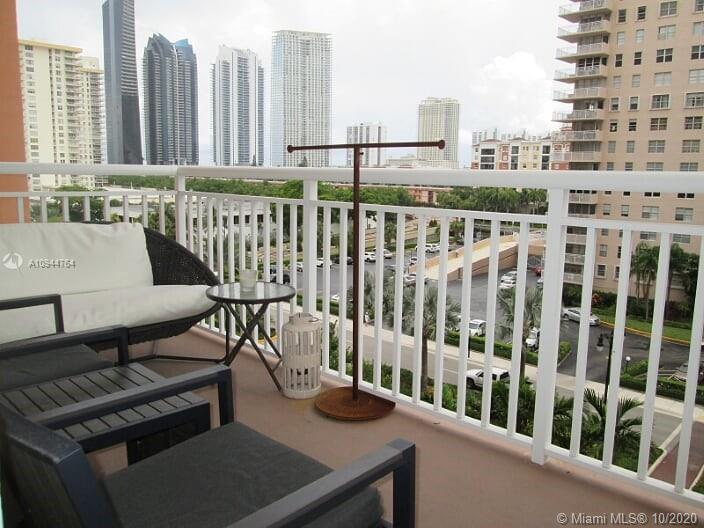 251  174th St #609 For Sale A10944764, FL