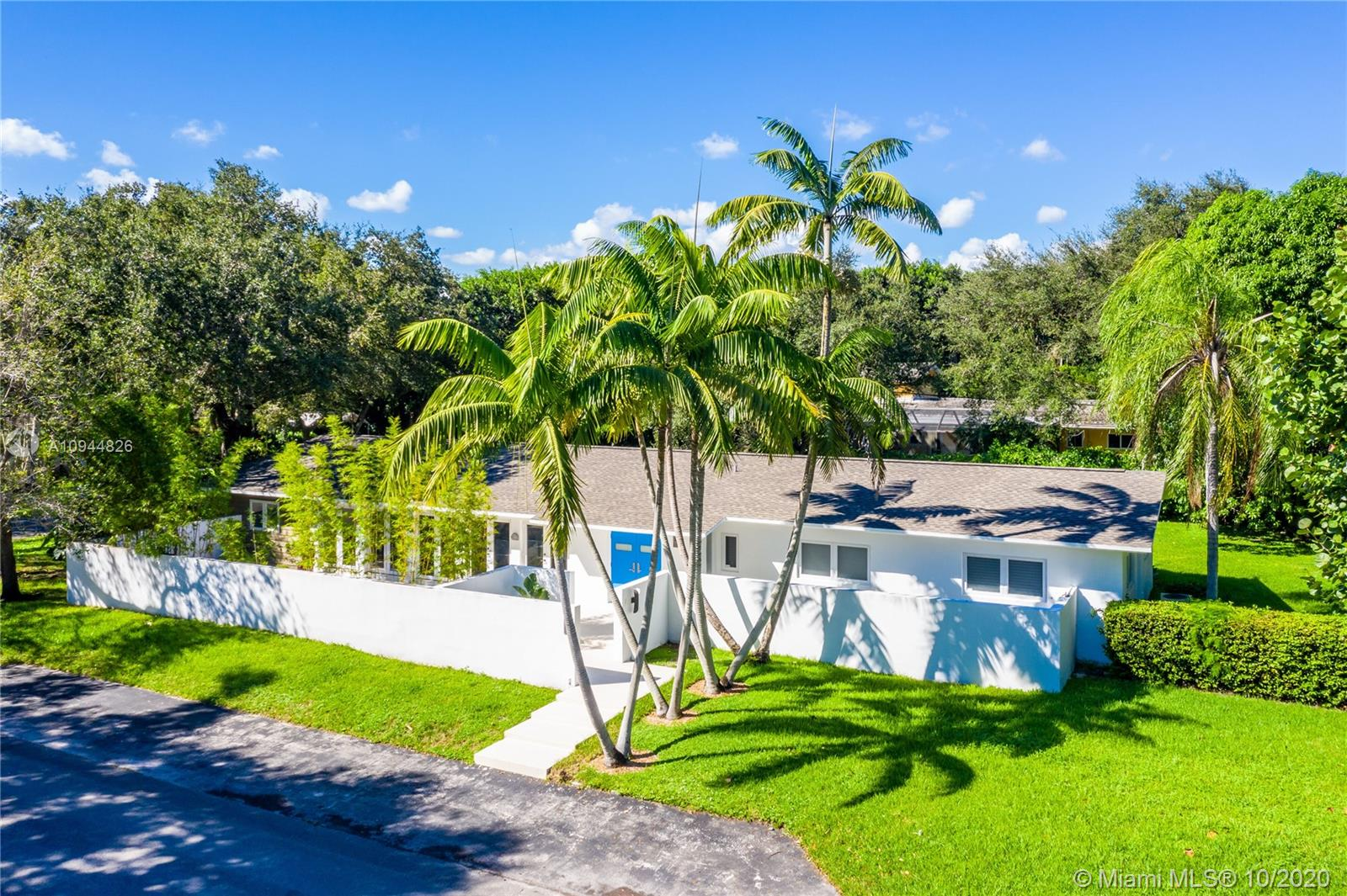 5875 SW 100th St  For Sale A10944826, FL