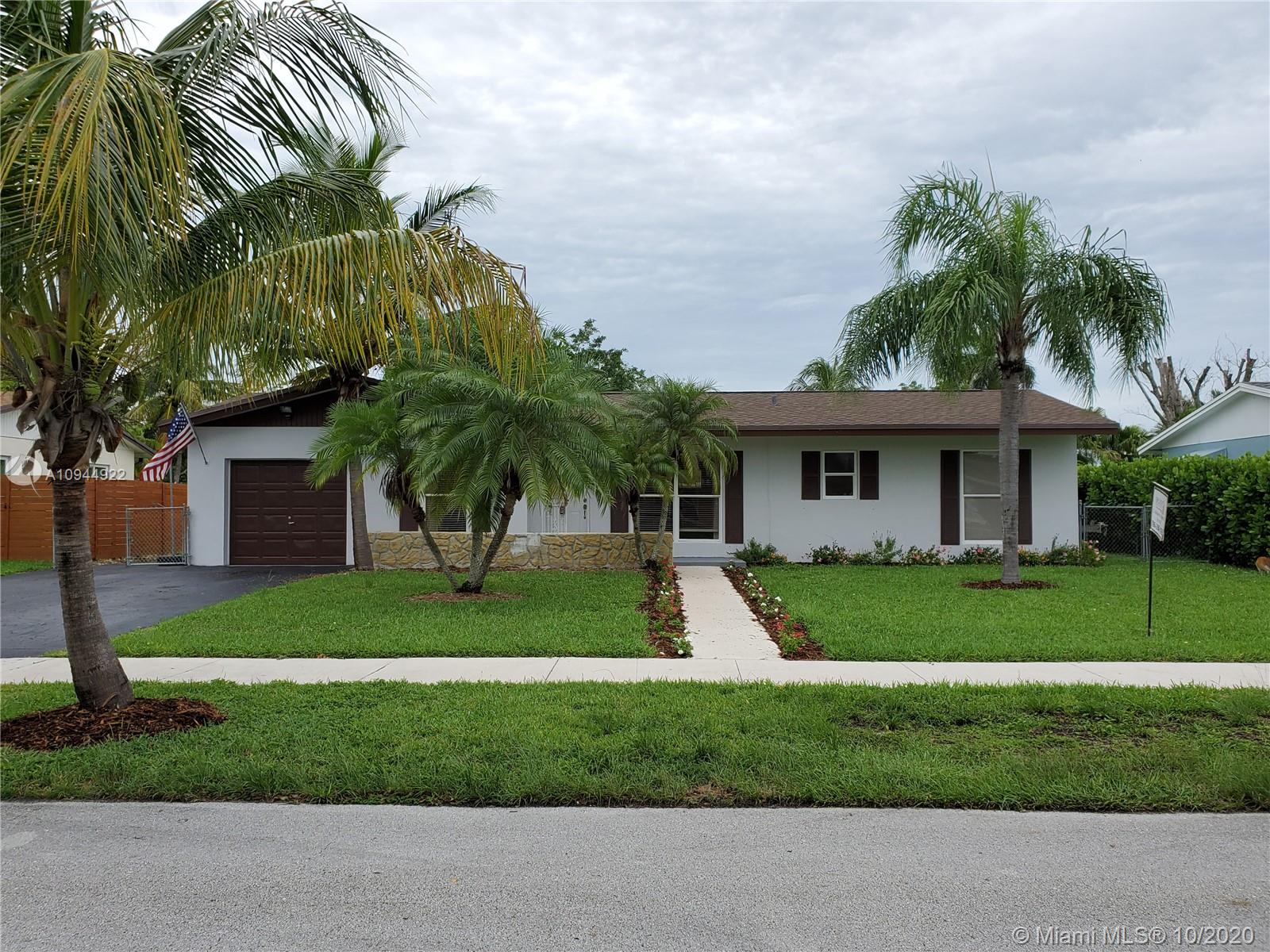 9141 SW 181st Ter  For Sale A10944922, FL