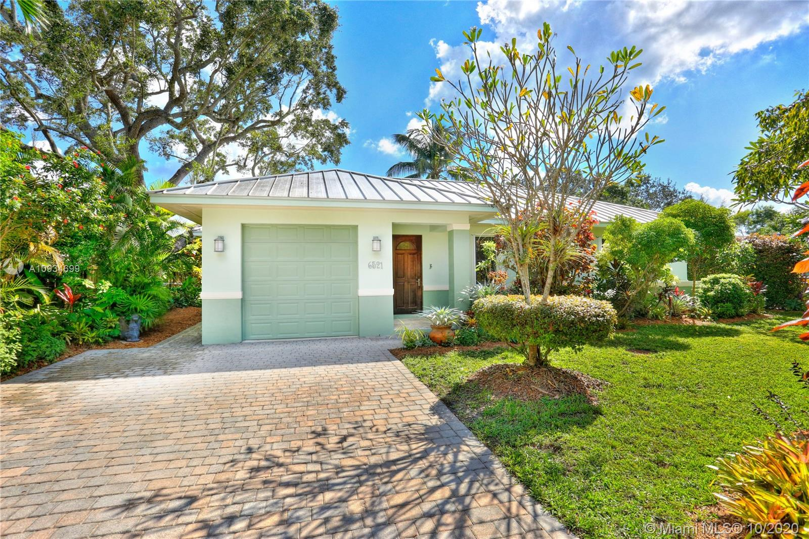6521 SW 64th Ct  For Sale A10934699, FL