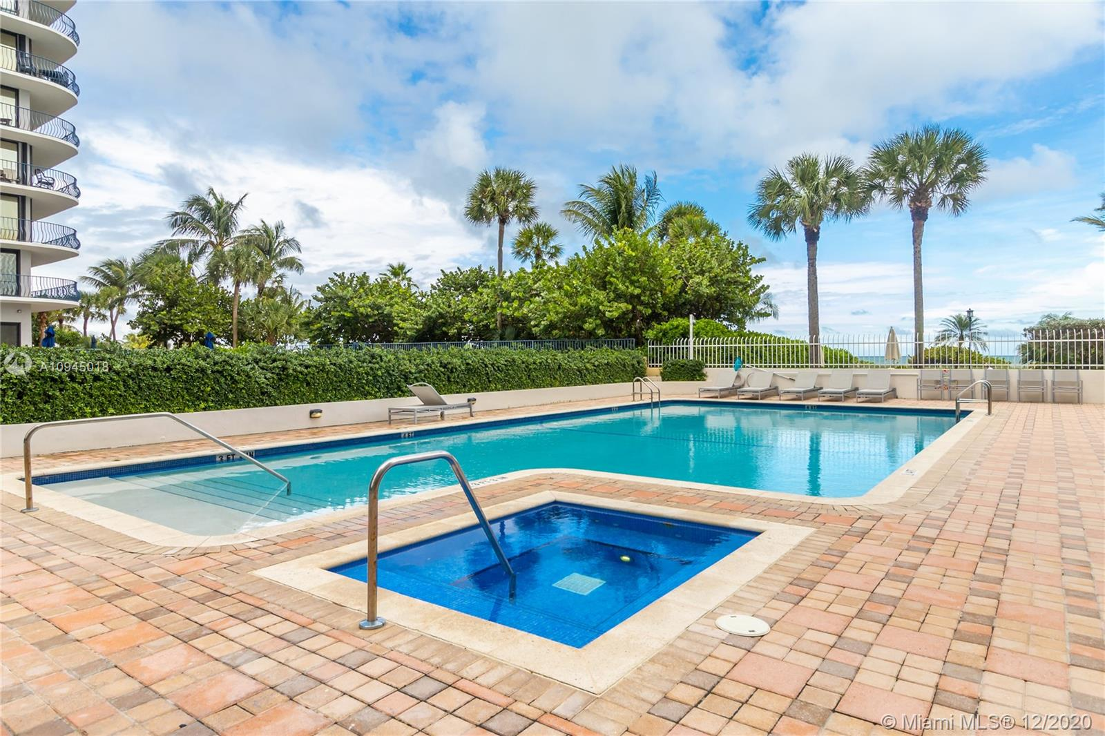 8855  Collins Ave #3F For Sale A10945018, FL