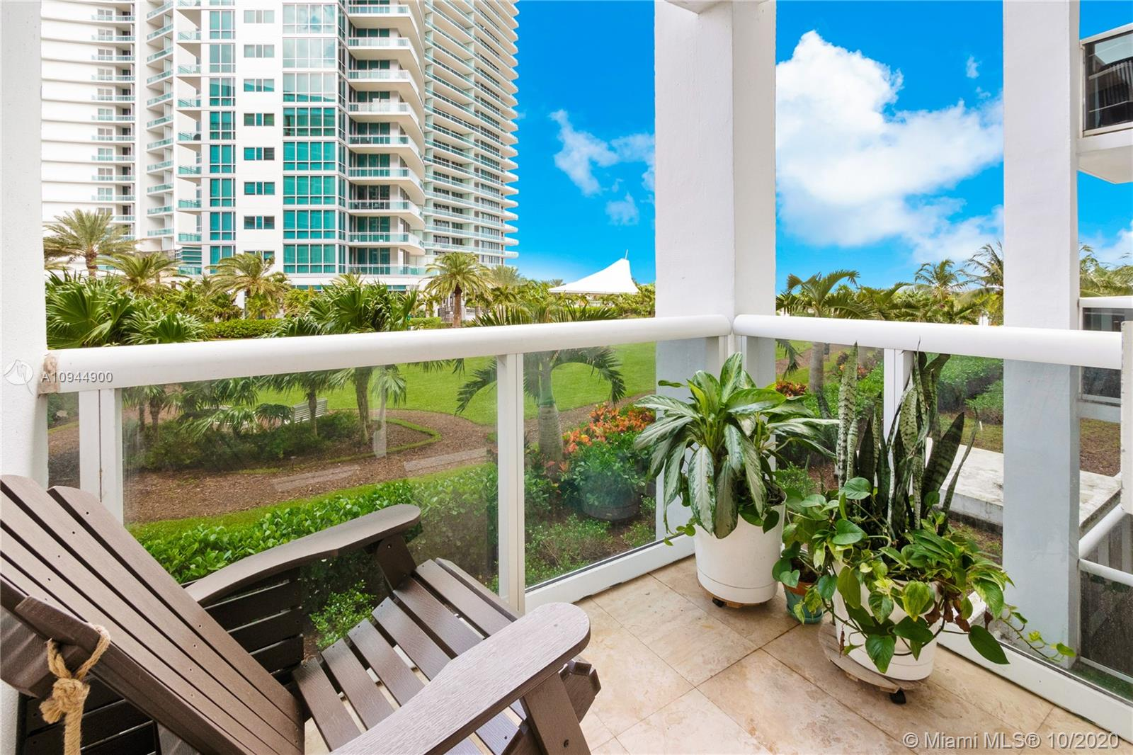 10275  Collins Ave #304 For Sale A10944900, FL