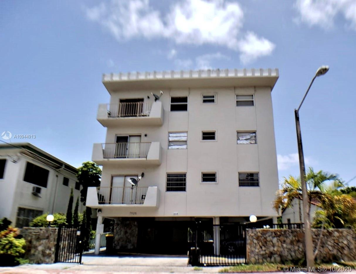 7925  Carlyle Ave #302 For Sale A10944913, FL