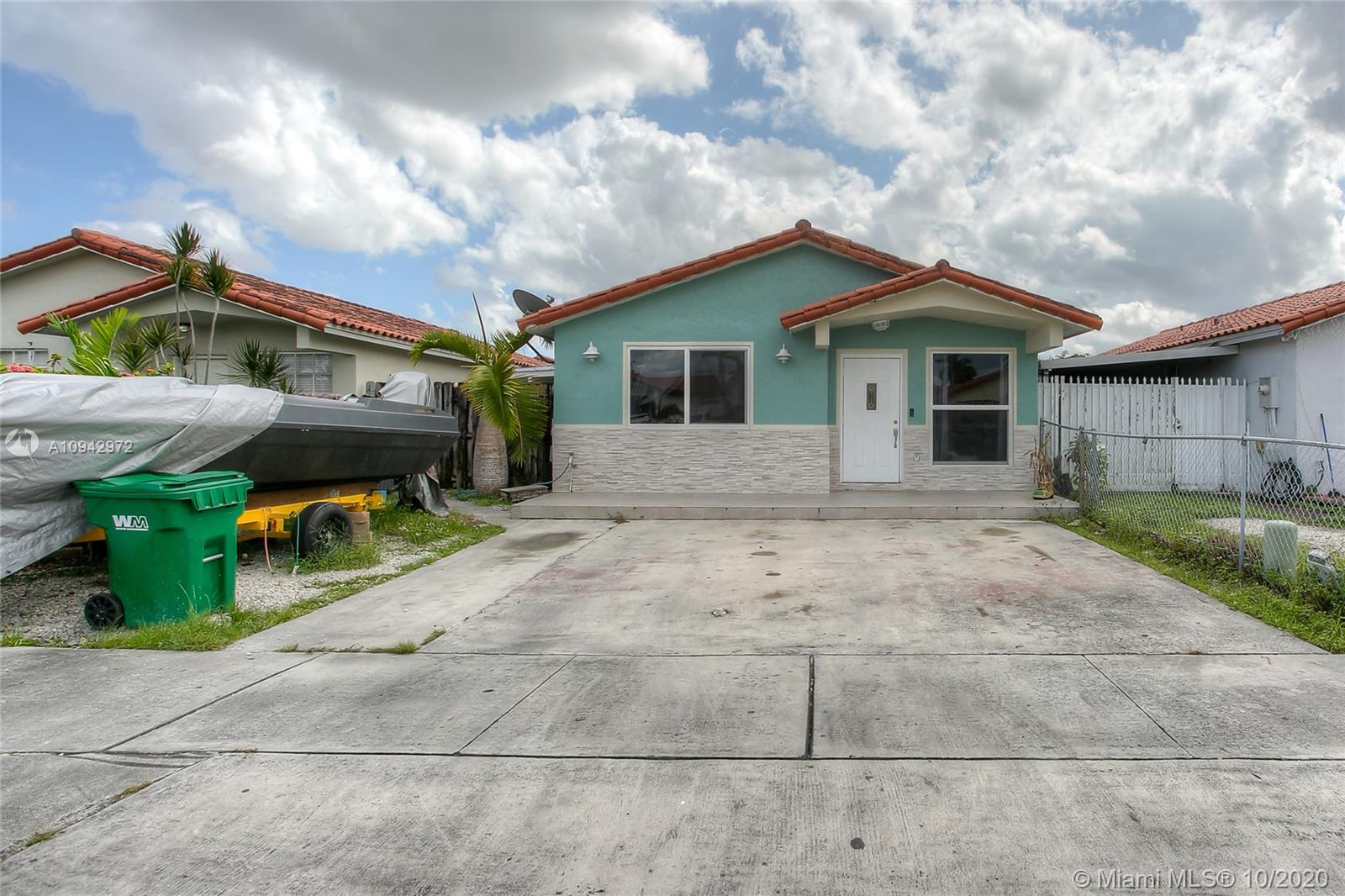8822 NW 112 Terrace  For Sale A10942972, FL