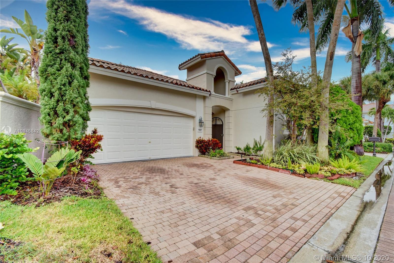 1530  Shoreline Way  For Sale A10945842, FL
