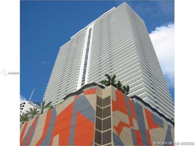 Large 1 Bed/1 Bath + Den featuring floor to ceiling windows opening on a comfortable balcony with impressive skyline and pool view, Carpet floor throughout living room and bedroom and tiles in Kitchen, bedroom with walking closet and ensuite bathroom, Contemporary Italian style kitchen with granite countertop and stainless steel appliances. 50 Biscayne is ideally located in Central Downtown Miami across from Bayfront Park within walking distance to the American Airlines Arena, Performing Arts Center and Bayside Marketplace. It offers unparalleled amenities including spacious Skylobby and urban Oasis, pool deck with infinity edge-pool, daybeds, and cabanas. It offers also clubroom, spa & fitness center with meditation rooms and pilates. 24-hours concierge and security