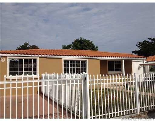 4811 SW 5th St  For Sale A10946188, FL