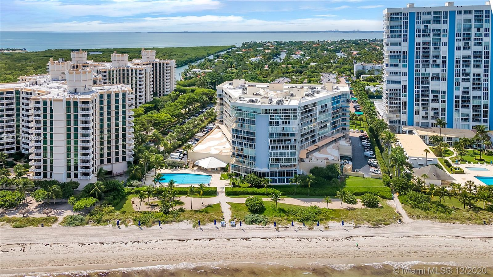 600  Grapetree Dr #11AS For Sale A10928011, FL
