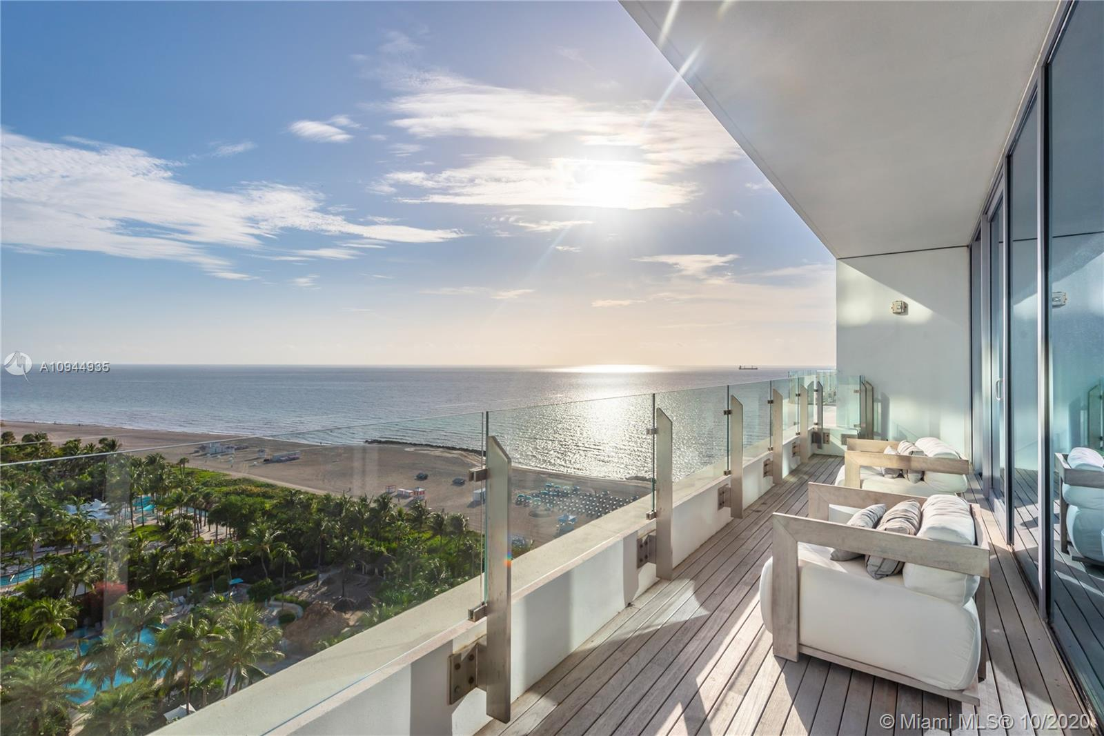 2901  Collins Ave #1408 For Sale A10944935, FL