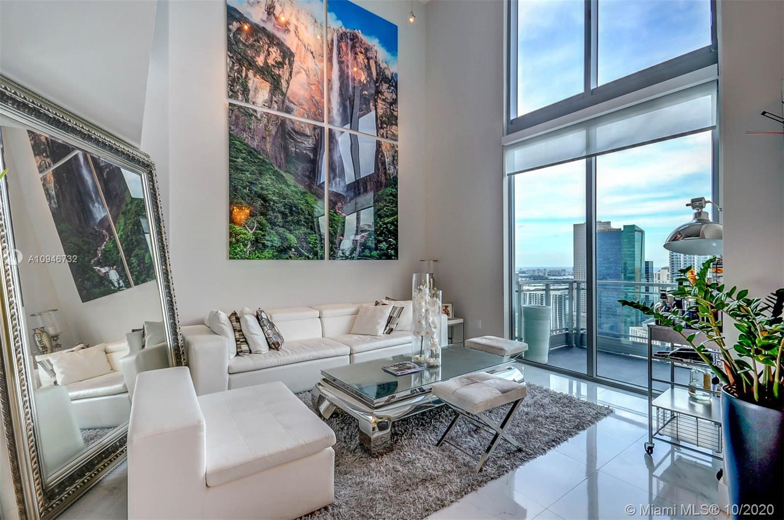 92 SW 3rd St #5210 For Sale A10946732, FL