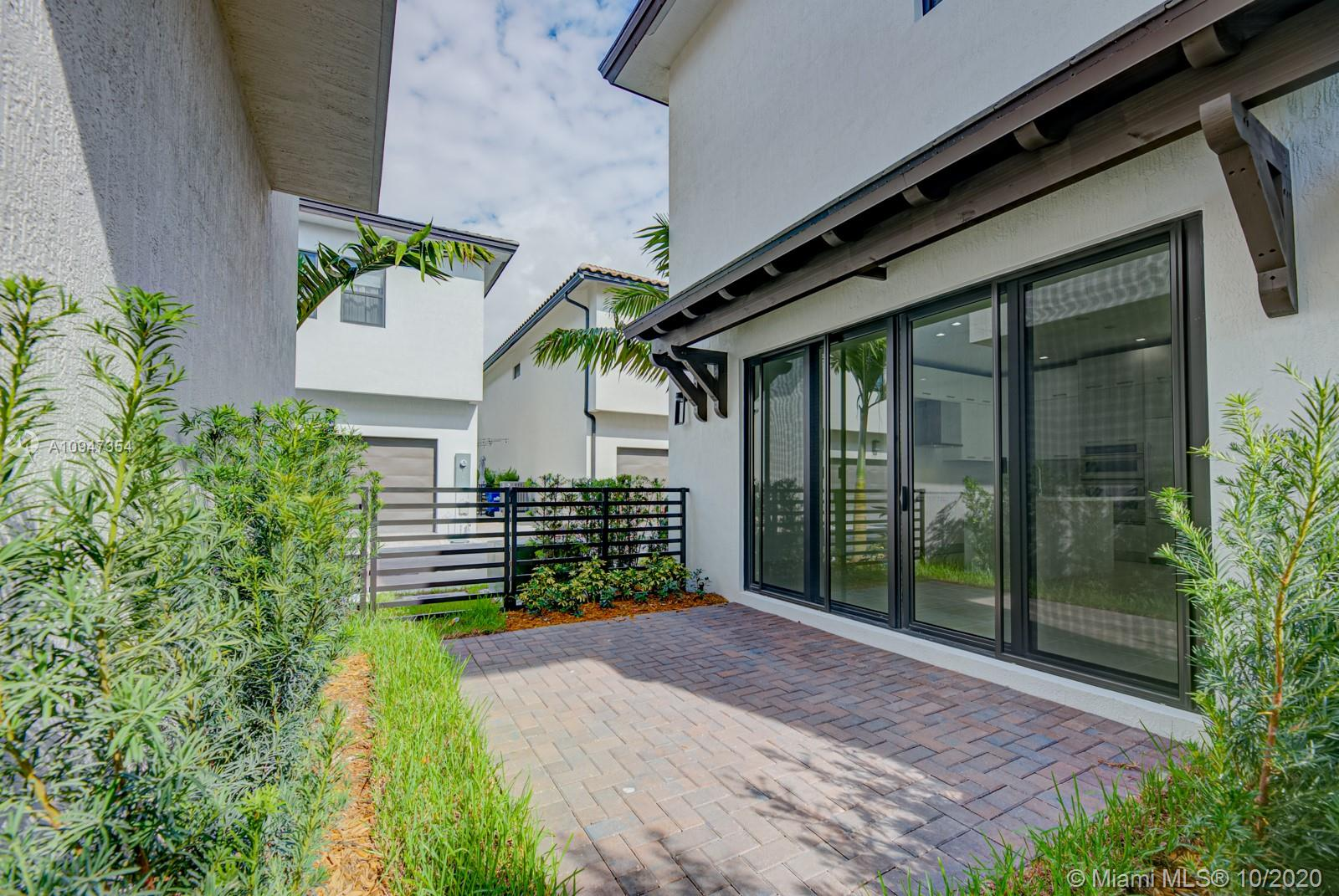 8240 NW 44th Ter  For Sale A10947354, FL