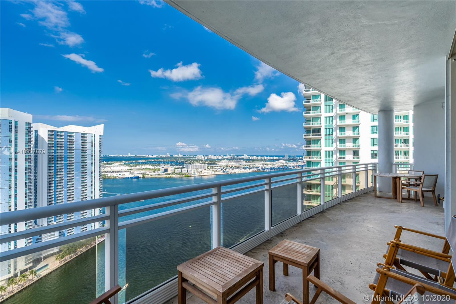 Amazing unit located in the 35th floor that offers tremendous views to Biscayne Bay, Miami River and stunning city views & skylights at night. This unit has been professionally remodeled and designed and is offered fully furnished and ready to move in. Bonus feature is the extra high ceilings (higher than lower floor units) creating a great feeling of amplitude and abundance of natural light. Don't miss it! Enjoy the wonderful lifestyle of living on an island in the middle of Brickell and Downtown Miami.