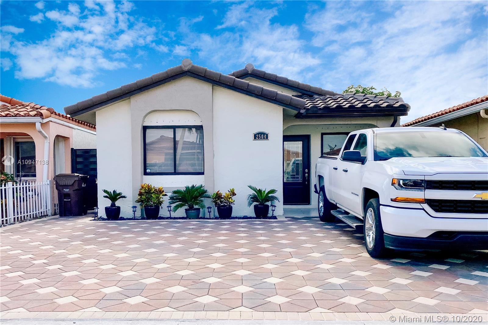2504 W 65th St  For Sale A10947138, FL