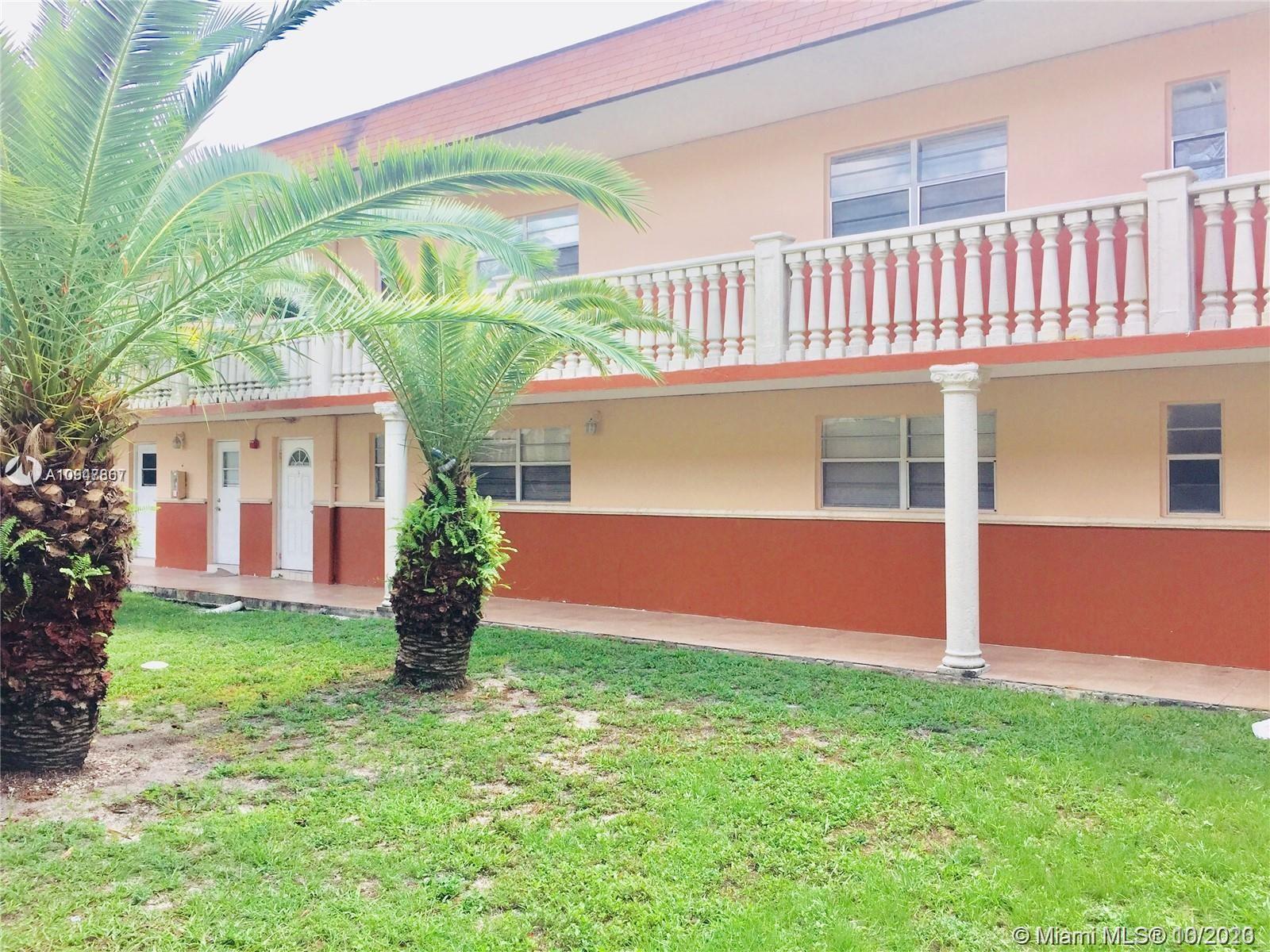 2750  Pierce St #3 For Sale A10947867, FL