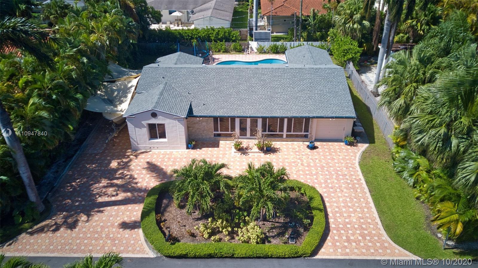 7730  Beachview Dr  For Sale A10947840, FL