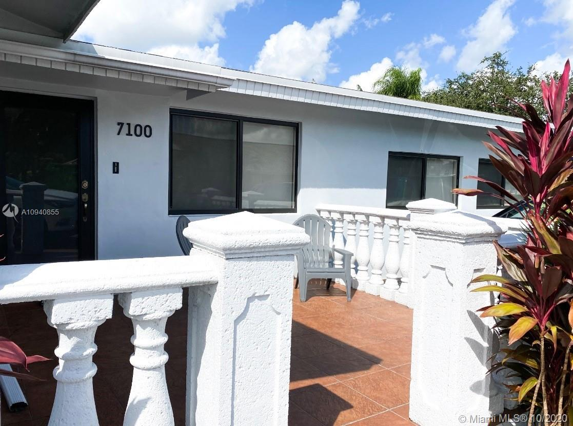 7100 SW 92nd Ave  For Sale A10940855, FL
