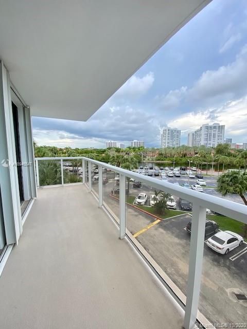3731 N Country Club Dr #429 For Sale A10945547, FL