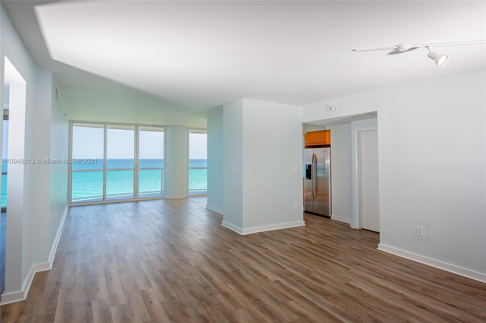 6365  Collins Ave #1102 For Sale A10948213, FL