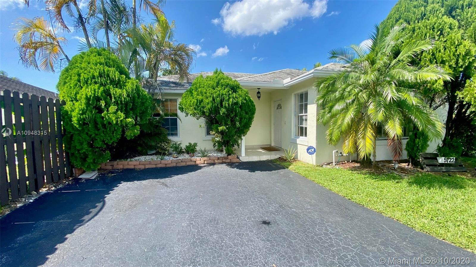 5722 NW 101st Ct  For Sale A10948315, FL