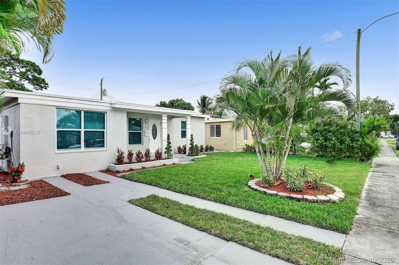 BEAUTIFULLY FULLY REMODELED 3 BEDROOM 2 BATHROOM HOME IN THE HEART OF OAKLAND PARK! PERFECT TURN-KEY HOME OR VACATION RENTAL OPPORTUNITY! HOME FEATURES ALL HURRICANE IMPACT WINDOWS AND DOORS, 2006 SHINGLE ROOF, BRAND NEW 2020 FLAT ROOF, BRAND NEW 2020 A/C UNIT, ELECTRIC TANKLESS WATER HEATER, NEW BATHROOMS, NEW IRRIGATION SYSTEMS WITH NEW PLANTS, NEW CUSTOM KITCHEN WITH HIGH-END EUROPEAN CABINETS, BRAND NEW STAINLESS STEEL APPLIANCES, QUARTZ COUNTERTOP, RECESSED LIGHTING THROUGHOUT, VERY LARGE BACKYARD NICE FOR ENTERTAINMENT OR TO BUILD A POOL, SPACIOUS DRIVEWAY, FRESHLY PAINTED INSIDE/OUT... MINUTES FROM SCHOOLS, BEACH, SHOPPING PLAZAS, ETC... HURRY THIS WONT LAST LONG!!
