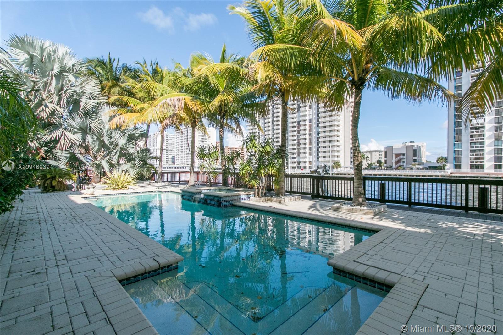 1445  Windjammer Way  For Sale A10946939, FL