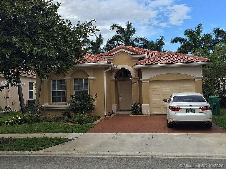 12721 SW 53rd St  For Sale A10948203, FL