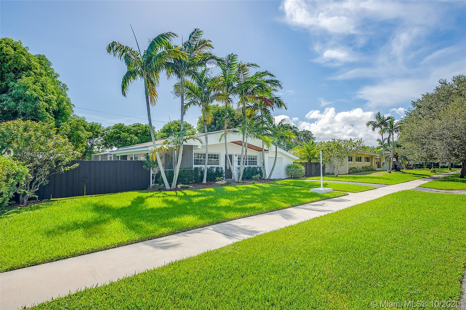 9360 SW 181st St  For Sale A10948559, FL