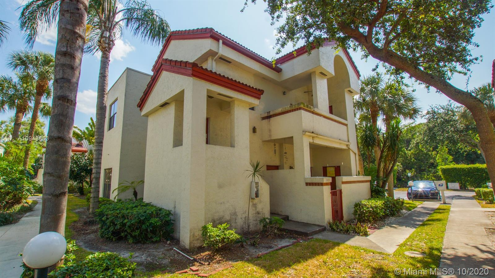 PERFER INVESTORS .GREAT CONDITION.CURRENTLY RENTED AT 1900.00 PER MONTH 8.5 RETURN ON INVESTMENT.